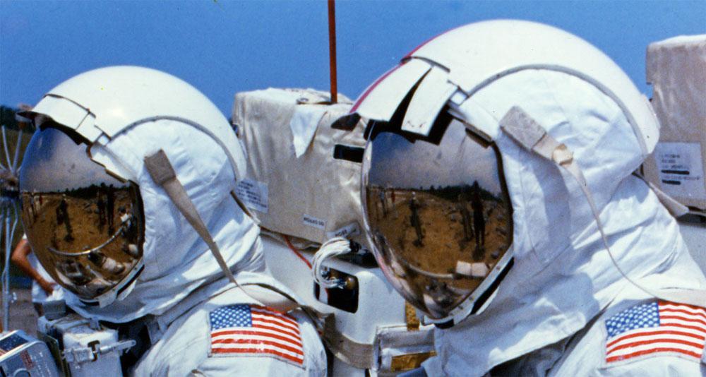 apollo 13 astronaut helmet - photo #39
